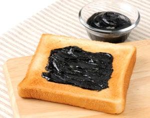 黒ごまトースト