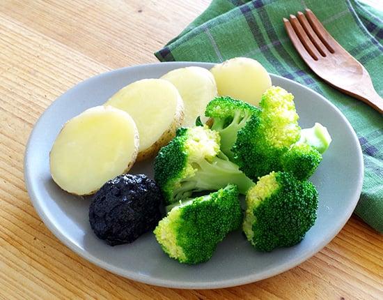 温野菜のごまマヨディップ添え
